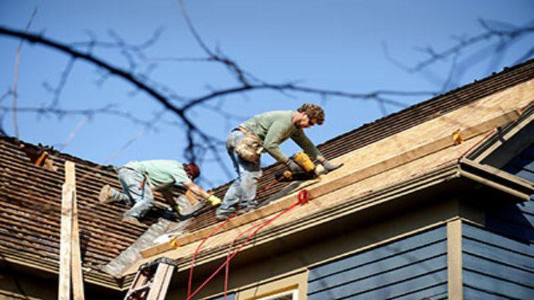 полагане на изолация на покрив